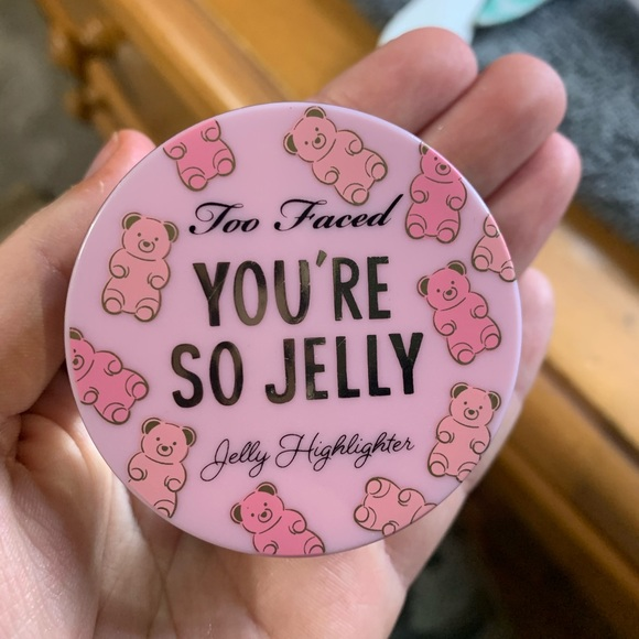 Too faced jelly highlighter